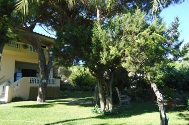 Vista lato giardino B&B Gigilio di Mare