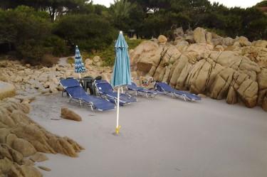 Piccola spiaggia davanti al B&B Giglio di Mare